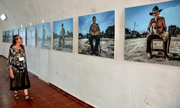 Una serie fotográfica sobre la dignidad de los que se quedan a pesar de todo.  Gente de Cocodrilo, de Carlos Ernesto Escalona Martí (Kako). Foto: Ladyrene Pérez/ Cubadebate