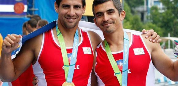 Los remeros Oscar Vásquez y Felipe Leal ganaron el tercer título de Chile en los Juegos.