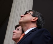 Bruno Rodríguez y Roberta Jacobson en la Ceremonia de Reapertura de la Embajada cubana. Foto: Bill Hackwell.