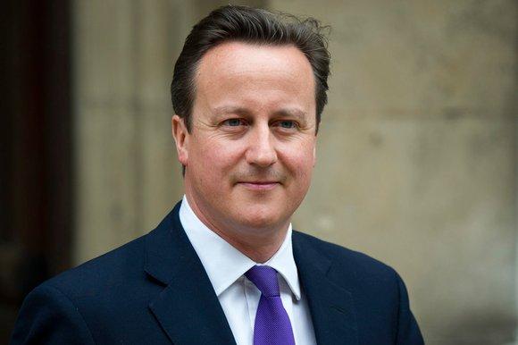 El primer ministro británico aspira también a subir el salario a las mujeres. Foto tomada de ecuavisa.com