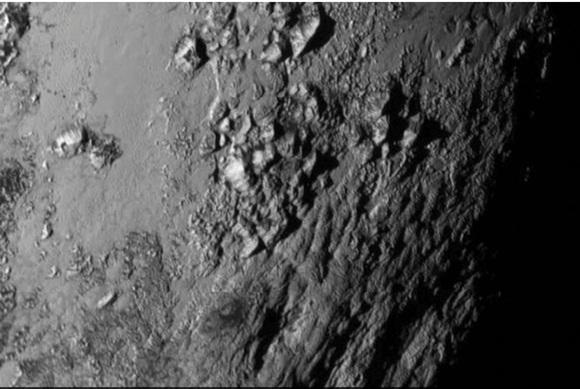 Imagen de Plutón tomada por la misión New Horizons el 13 de junio. Foto Nasa / Reuters