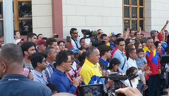 Jorge Arreaza y Diosdado Cabello asistieron al Cuartel. Foto: Telesur.
