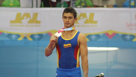 Jossimar Calvo ganó en caballo con arzones, barras paralelas y barra fija de la gimnasia artística.