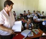 Una de ellas es que la labor del maestro se ha hecho más compleja, con cargas superiores a las permisibles. Foto: Efraín Cedeño.