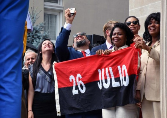 Miembros de la delegación cubana a la reapertura de la Embajada en Washington. Foto: Bill Hackwell.