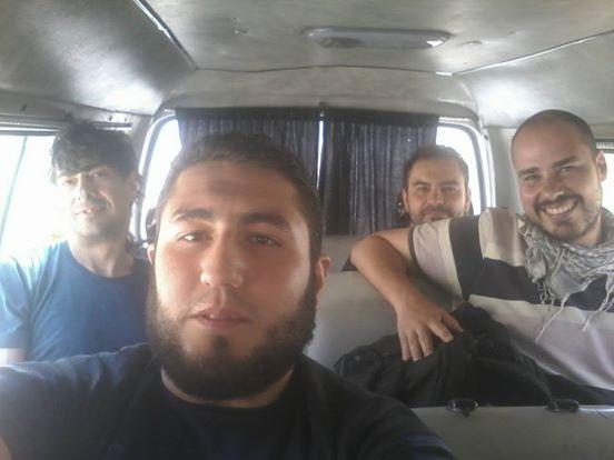 Usama Ajjan, traductor y chofer de los periodistas, había subido recientemente varias imágenes a su perfil de Facebook junto a ellos.
