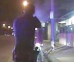 Policía asesina a latino desarmado. Fotograma del video publicado por Los Angeles Times