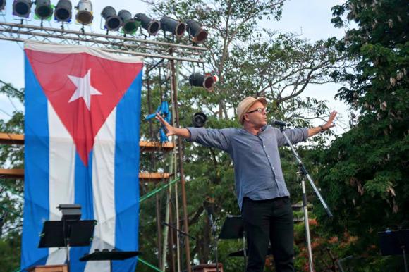 Silvio-Rodríguez-concierto-por los barrios1