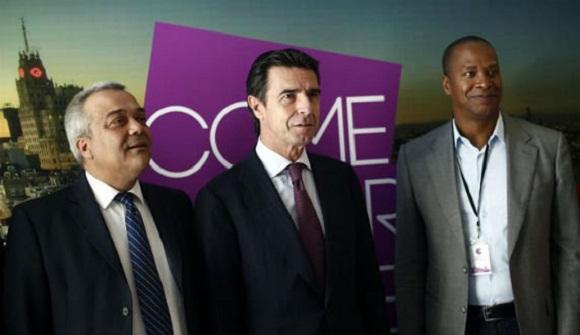 Soria, al centro, se reunirá con el vicepresidente del Consejo de Ministros, Ricardo Cabrisas