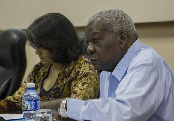 Participa Esteban Lazo en trabajo por comisiones de diputados cubanos