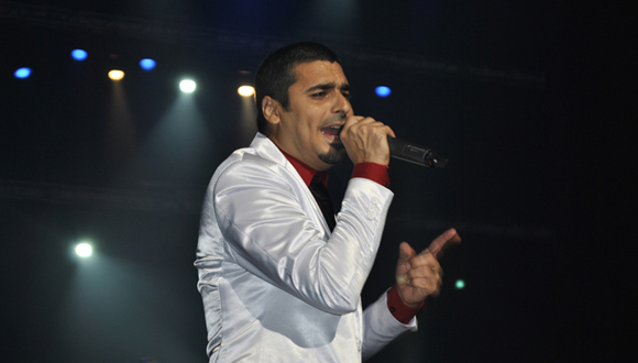 El joven intérprete  cubano, marcó su estilo  asumiendo  temas como Mi regalo, Canción enamorada y Aire. Foto: Marianela Dufflar