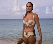 Úrsula Andress vistió un bikini durante la película Dr. No.