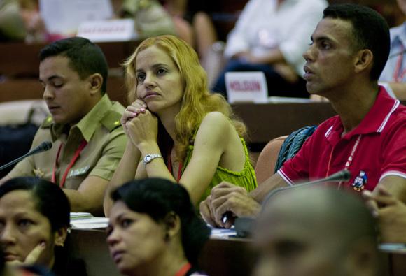 Los temas más debatidos estuvieron relacionados con el funcionamiento del comité de base. Foto: Ladyrene Pérez/ Cubadebate.