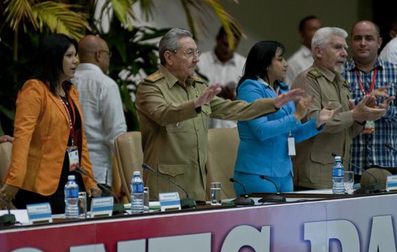 Asiste Raúl Castro a la clasura del X Congreso de la UJC. Foto: Ladyrene Pérez/ Cubadebate.