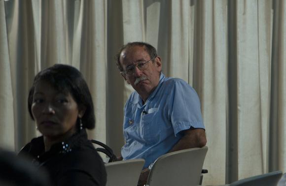 Doctor Agustín Lage Dávila durante los debates de la Comisión de Asuntos económicos. Foto: Ladyrene Pérez/ Cubadebate.