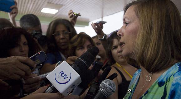 Josefina Vidal, ofrece declaraciones a la prensa. Foto: Ismael Francisco/Cubadebate.