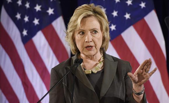 Hillary de cabeza contra el bloqueo a su manera