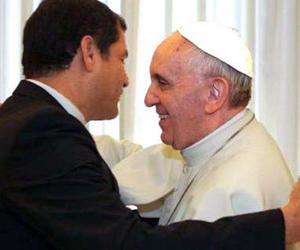 papa_francisco_y_el_presidente_rafael_correa