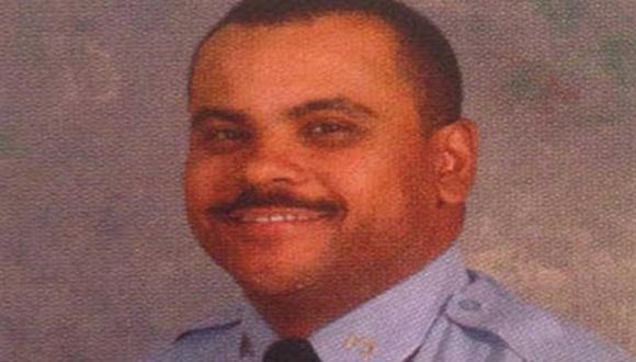 Uno de los agentes responsables fue identificado como Terrance Saulny, de 25 años | Foto: mirror.