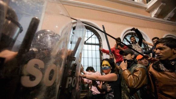 Protesta el pasado jueves contra la incorporación de nuevos impuestos a las herencias en Ecuador. Foto: Ap