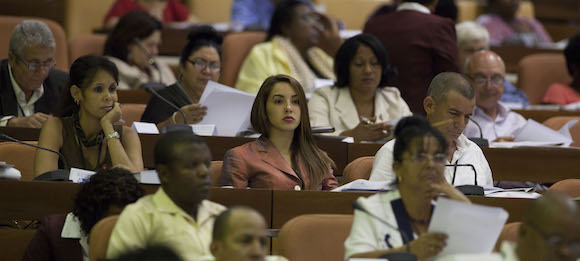 Sesión plenaria de la Asamblea Nacional. Foto: Ismael Francisco/ Cubadebate
