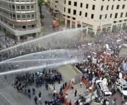 Represiones a las protestas por la crisis de la basura en capital libanesa. Foto: EFE.
