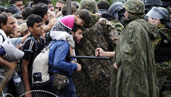 Frontera entre Grecia y Macedonia, donde los refugiados se agolpan durante días sin aceso a agua, comida o techo. Foto: Reuters
