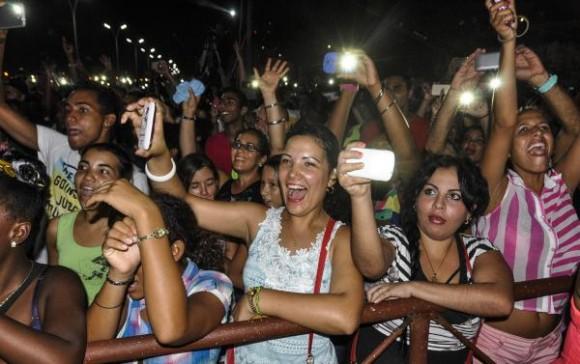 Concierto de la  agrupación cubana Gente de Zona,  en el Malecón Habanero, como parte de las actividades por el verano, el 20 de agosto de 2015. Foto: AIN / Marcelino Vázquez Hernández