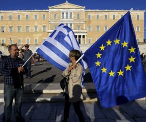 Grecia contradice a la Eurozona y aprueba ayuda  a jubilados
