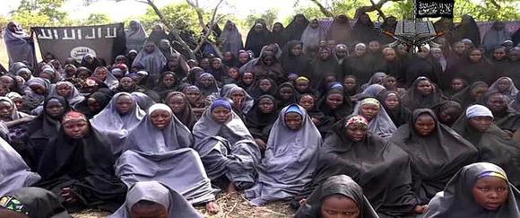 Imagen de un vídeo difundido por Boko Haram tras el secuestro de 219 niñas en Chibok.