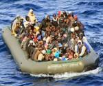 Inmigrantes del Norte de África rumbo a Italia. Foto: Archivo.