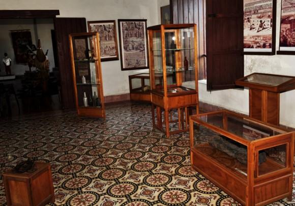 Sala que muestra objetos encontrados en las excavaciones en el Castillo.  Foto: Roberto Garaicoa
