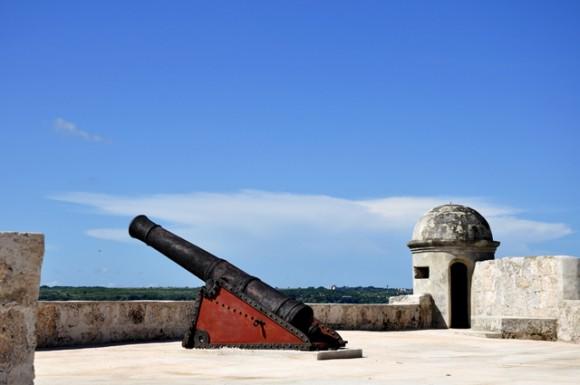 Una de las piezas de la batería de cañones. Foto: Roberto Garaicoa