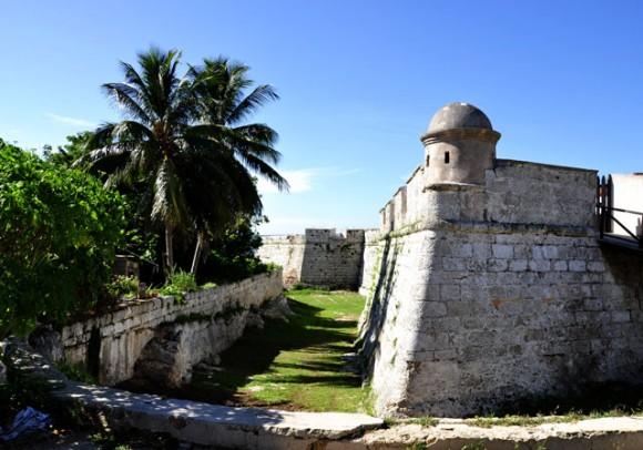 Uno de los cuatro bastiones del Castillo. Foto: Roberto Garaicoa
