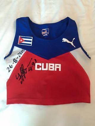 Vestimenta de Yarisley el día del oro mundial
