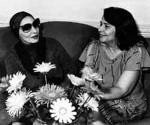 Vilma (derecha) junto a la gran bailarina cubana Alicia Alonso.