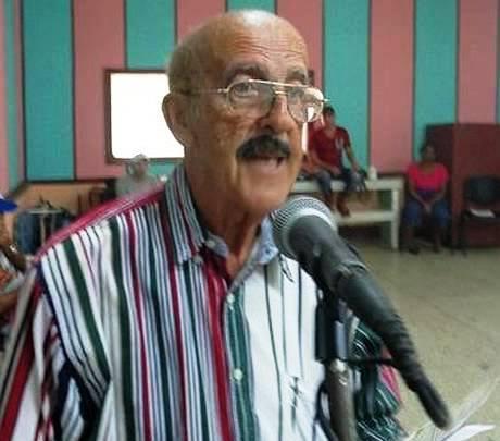 Sergio Antonio González Valero, el locutor de mayor edad en activo en Cuba, recibió en su ciudad natal, Holguín, el Premio Nacional de la Radio cubana. Foto: Radio Angulo