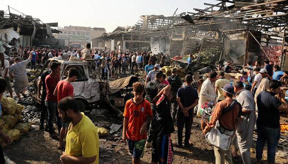 Un camión bomba estalló en un mercado concurrido de Bagdad y dejó al menos 76 muertos, en uno de los atentados más mortíferos de los últimos años en la capital iraquí. Foto: AP