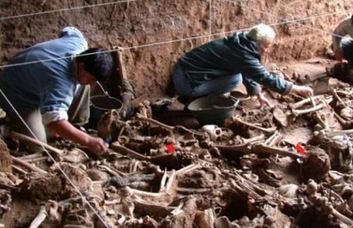 Colombia: con excavaciones saldrá a la luz verdad sobre Uribe