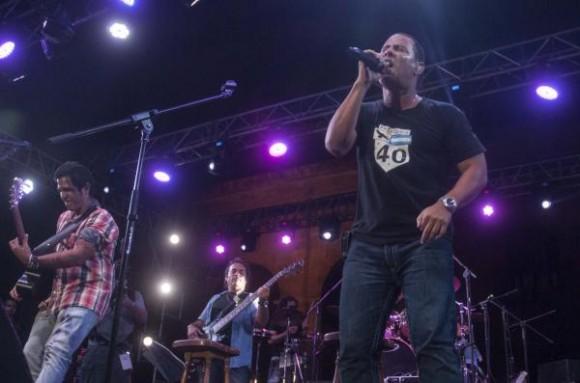 Actuación de la banda boricua Cultura Profética, durante un concierto junto al grupo cubano Buena Fe, en la plaza de San Francisco de Asís, en La Habana, Cuba, el 1 de agosto de 2015. AIN FOTO/Abel ERNESTO/