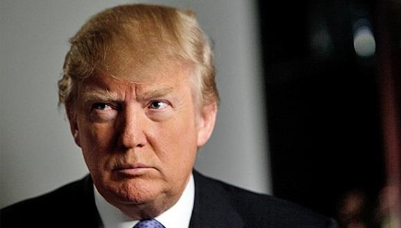 """El cantante comparó al precandidato presidencial con el pato Donald de Disney. Lo llamó """"fanfarrón, arrogante y ególatra"""" ."""