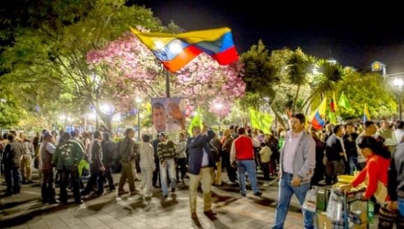 Ecuatorianos se movilizan frente a intentos desestabilizadores de la oposición