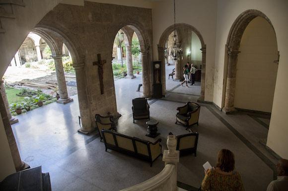 El recibidor del Centro Cultural Félix Varela. Foto: Ismael Francisco/ Cubadebate