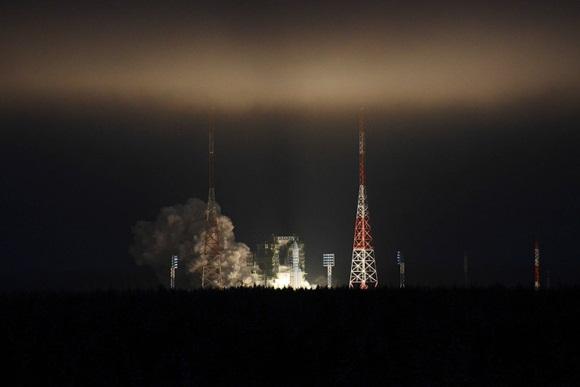 La nave espacial tripulada de nueva generación está siendo diseñada para transportar astronautas a la órbita y carga a la Luna y a estaciones espaciales.
