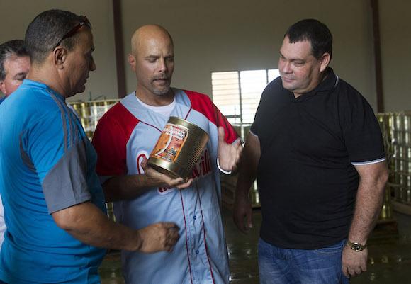 Alexander Ramirez presidente de CCS, Gerardo Hernandez y Felix Duarte Ortega, primer Se retario del PCC en Ciego de Avila. Foto: Ismael Francisco/Cubadebate.