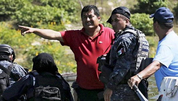 Miguel Ángel Jiménez participó en la búsqueda de los 43 normalistas desaparecidos en septiembre de 2014. Foto: Reuters