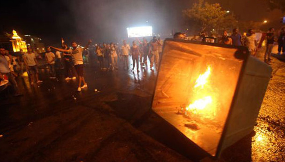 Protestas en Beirut por crisis de la basura. Fotograma de video de AFP.