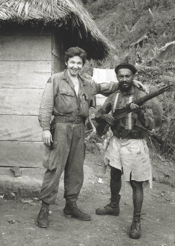 El 22 de junio de 1958, el Comandante Raúl Castro redactó la orden No 30 que disponía la detención de todos los ciudadanos norteamericanos que residían en los punto indicados en la instrucción, allí se especificaba que lo dispuesto no alcanzaba a las mujeres y los niños. También se emitieron instrucciones en la que precisaban los métodos que se debían seguir en el proceso de detención y custodia con énfasis en el trato respetuoso. Foto: Archivos de la Oficina de Asuntos Históricos del Consejo de Estado.