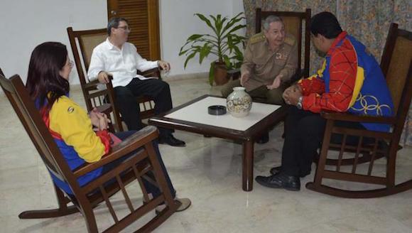Raúl Castro, Nicolás Maduro, Cilia Flores y el Canciller cubano Bruno Rodríguez. Foto: Estudios Revolución