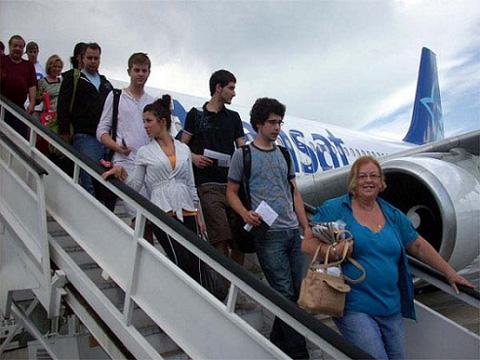 turistas-latinoamericanos-en-cuba